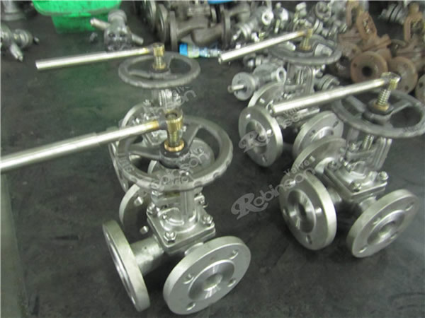 3 Way Plug Valve Flanged