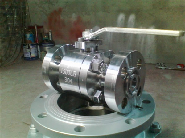 Flange Ends Stainless Steel Floating Ball Valve